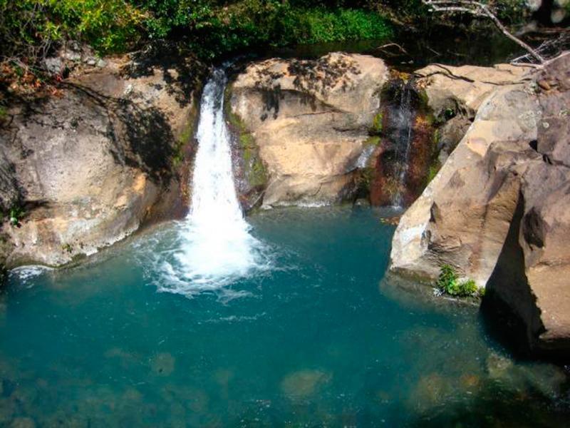 Piscinas naturales para darse un chapuz n en verano for Piscinas naturales ourense