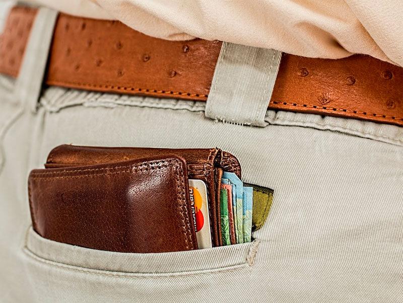 Ventajas e inconvenientes de solicitar una línea de crédito