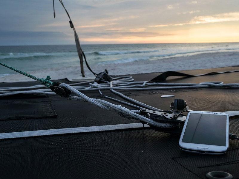 Aplicaciones que no pueden faltar en tu móvil si decides ir a la playa