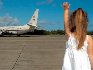 Viajar con niños en avión: consejos para un vuelo sin estrés