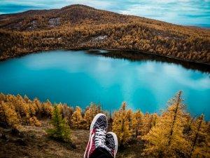 ¿Dónde viajar en abril? ¡Descubre dónde está el clima más favorable!
