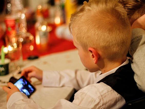 ¿A qué edad se recomienda comprarles un móvil a los niños?