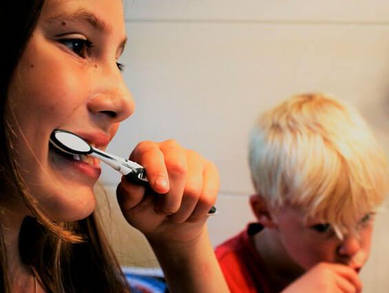 ¿Qué hábitos de higiene tenemos que enseñarles a los niños?