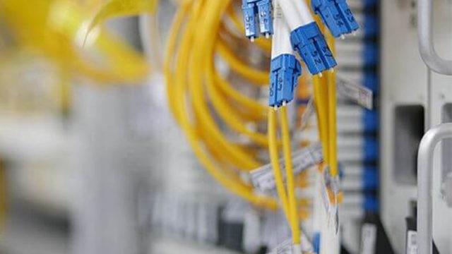https://www.mistercomparador.com/noticias/wp-content/uploads/2018/07/cable-fibra-optica-640x360.jpg