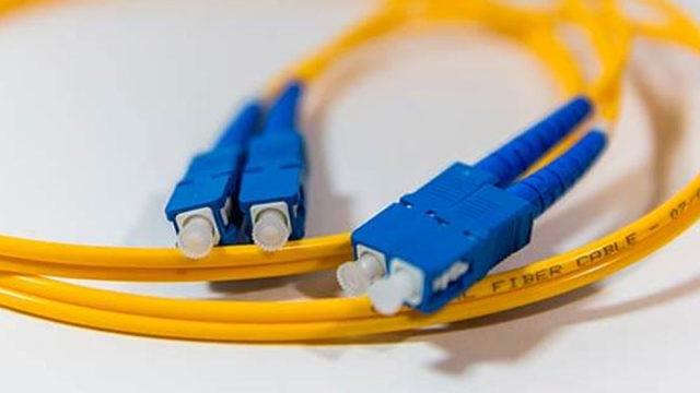 https://www.mistercomparador.com/noticias/wp-content/uploads/2018/07/diferencias-fibra-optica-simetrica-asimetrica-640x360.jpg