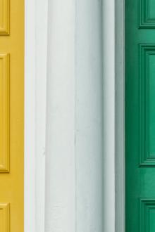 Puertas de casa con Internet en segunda residencia